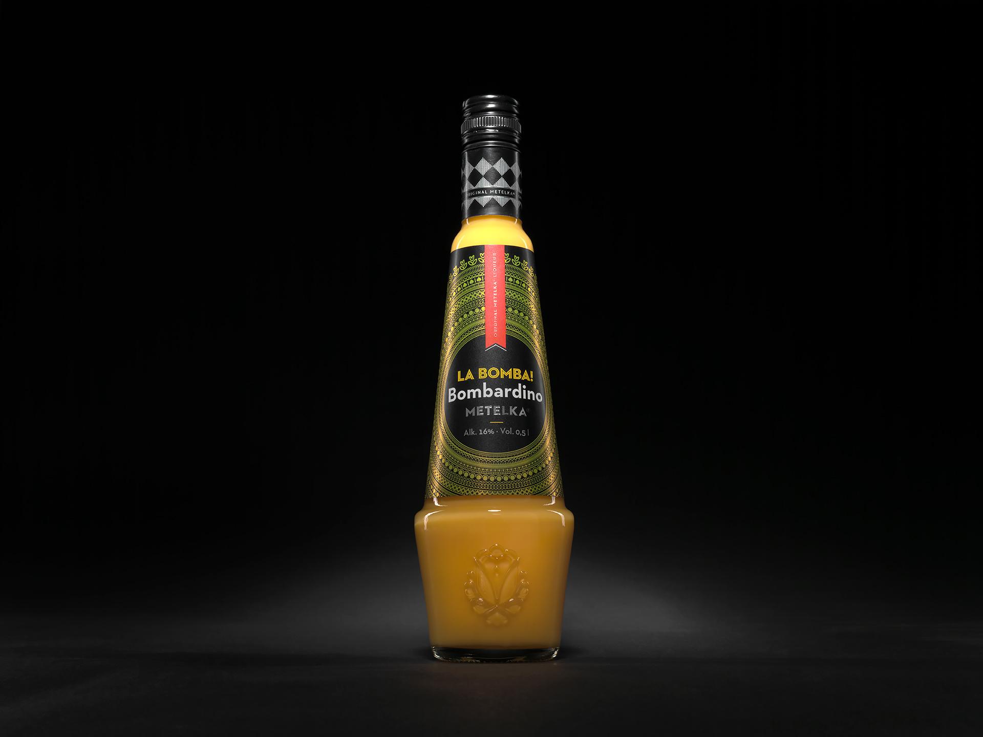 Bombardino italský vaječný likér