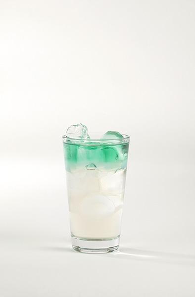 Míchaný alkoholický nápoj s absintem – Provokatér