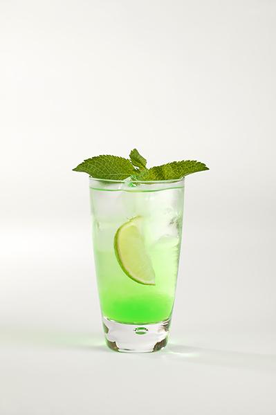 Míchané alkoholické nápoje, recepty s mátovým likérem – Zelená naděje