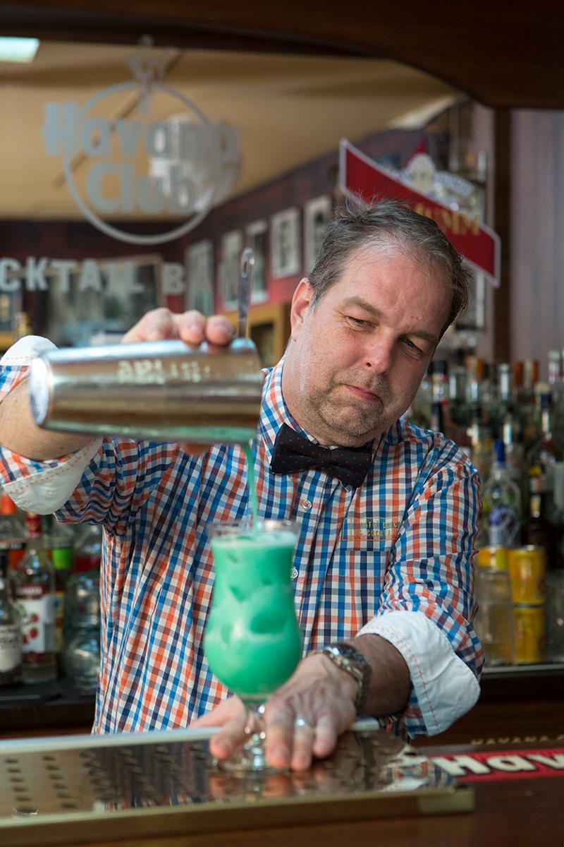 Barman Tomáš Duda