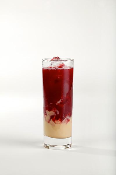 Míchaný alkoholický nápoj, recepty s Milky Caramel – Jahoda v karamelu