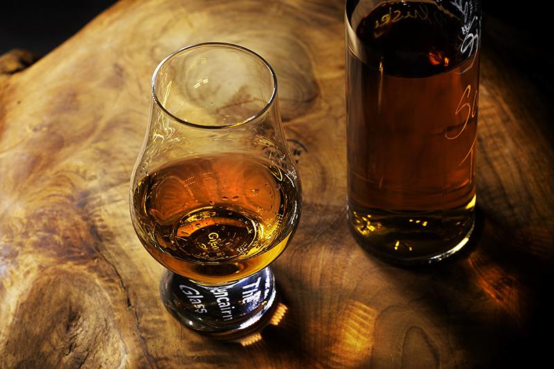 Jaké známe druhy rumu? Krev Karibiku není dámský likér na tři